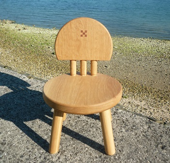 まぁ~るい子ども椅子