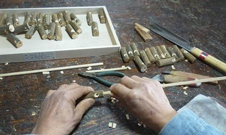 ウグイス笛製作中 吹口作り