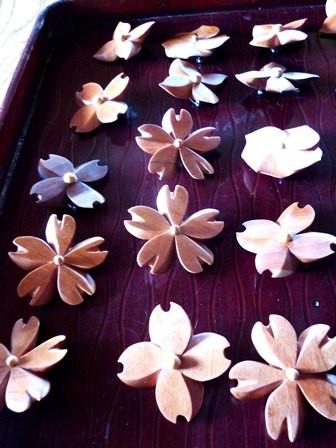 花のぶろーチ ロウ仕上げ完了