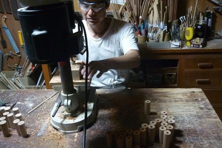 いろいろな木のオカリナ製作中