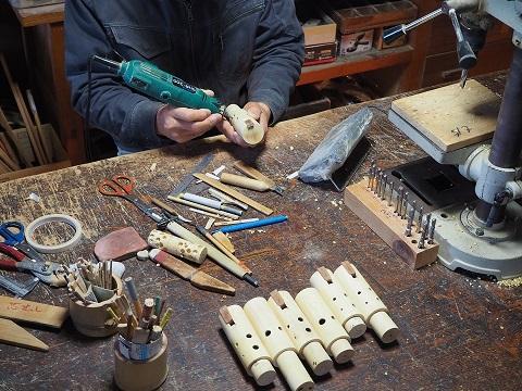 6穴式木のオカリナ製作中(テナーC管)