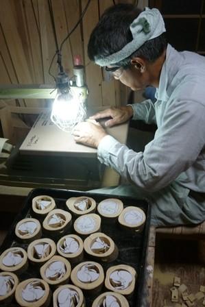 月ウサギ糸ノコで切り抜き作業