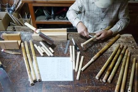オリジナル横笛真竹女竹AB管 頭栓作業