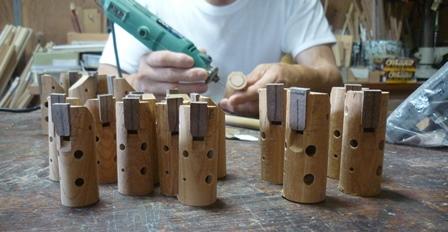 ケヤキ材のオカリナ製作中~指孔調律~