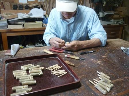 シジュウカラ笛の製作中 スライド棒の取り付け