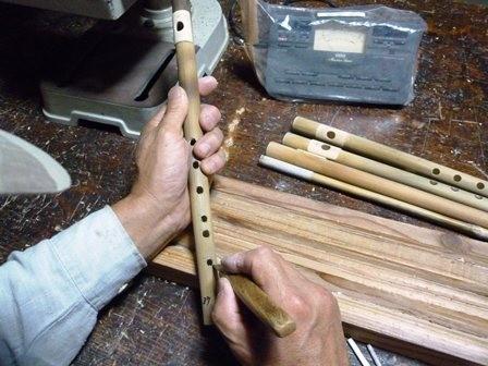 オリジナル横笛女竹C管らせん型指孔削り