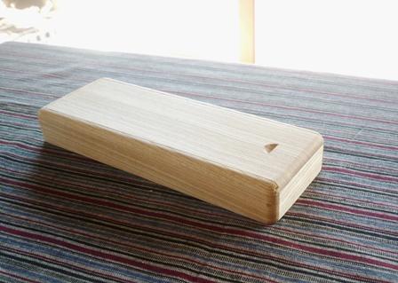 木の筆箱 セン材