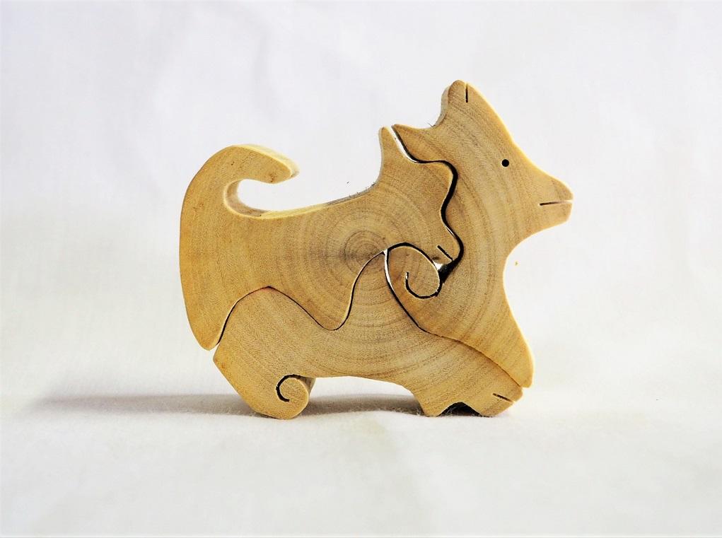 4匹の犬 木口クラフトシリーズ 左から コナラ エノキ アキニレ