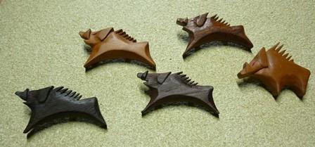 イノシシのブローチ5種