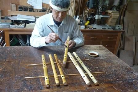 オリジナル横笛真竹管下地塗り