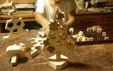 ホワイトクリスマス クリスマスツリー 仕上げ磨きと調整