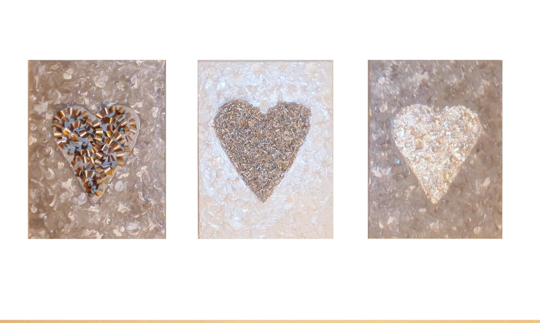 Silver Hearts (Triptychon, Assemblage auf Leinwand 20x30cm, 20x30cm, 20x30cm)