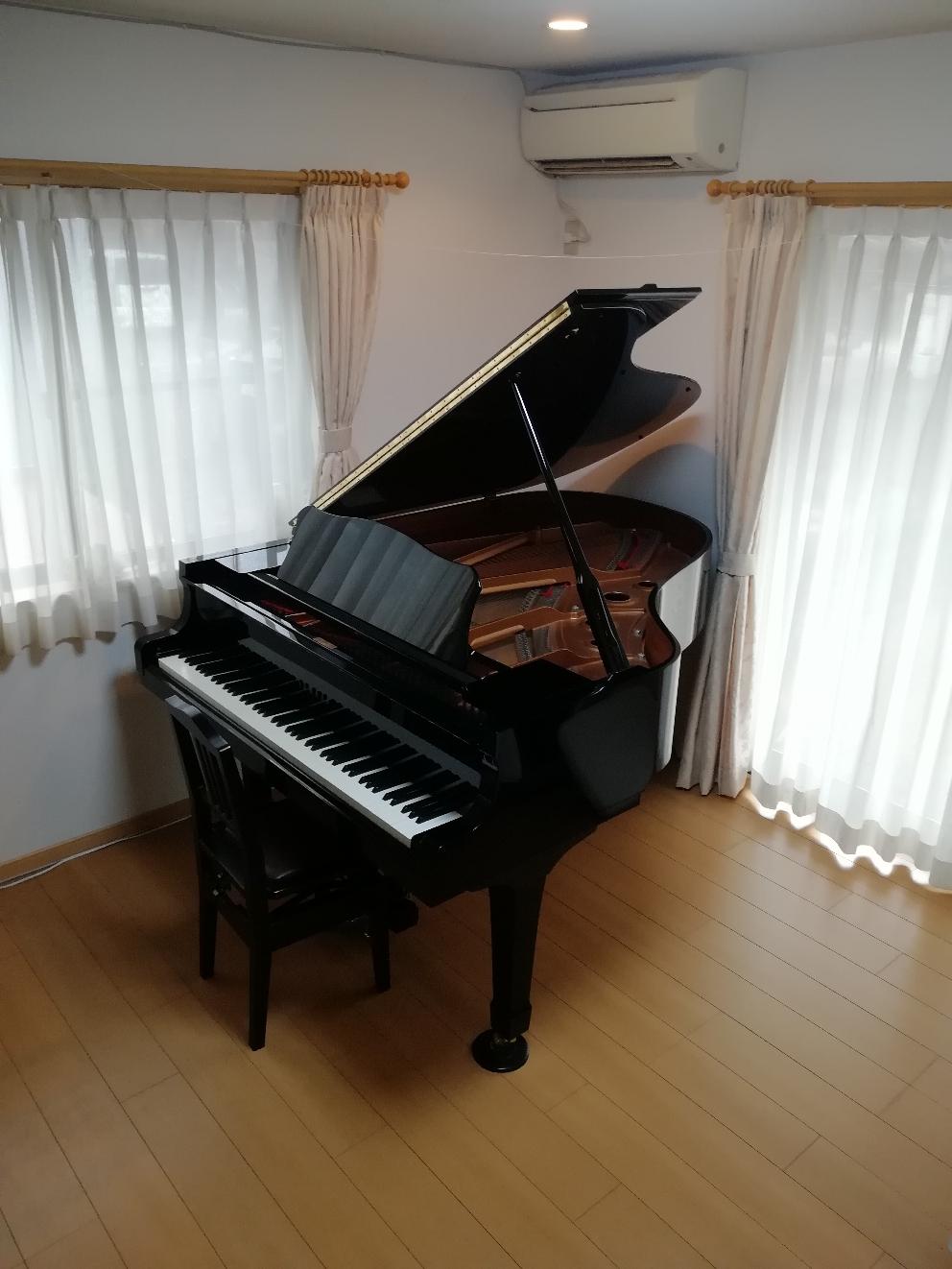 レッスン使用ピアノ