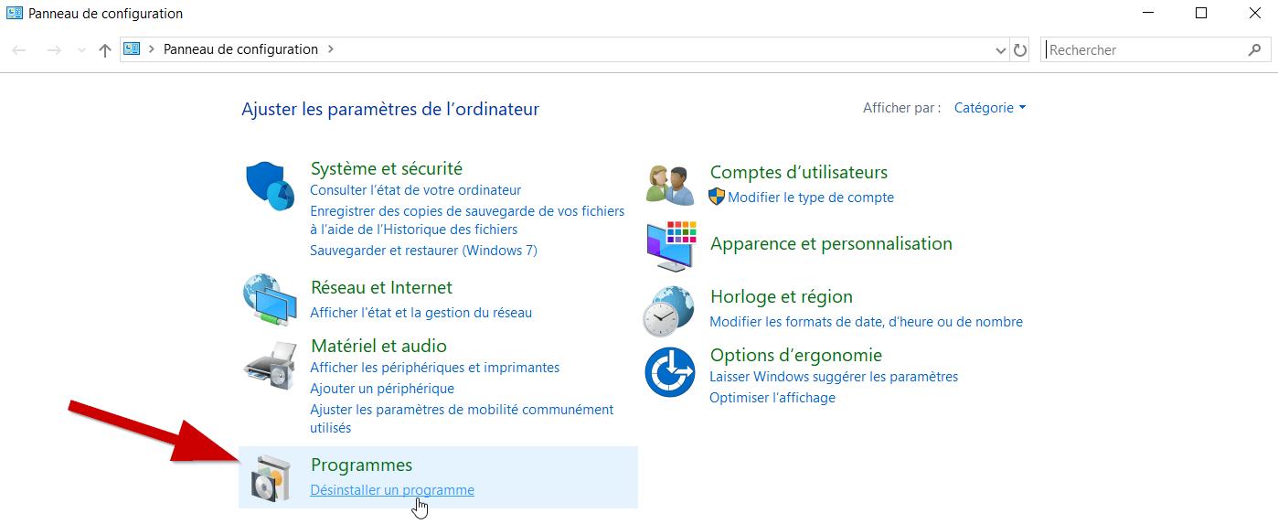 Le menu « Panneau de configuration » s'ouvre. Cliquez sur « Désinstaller un programme » sous « Programmes ».