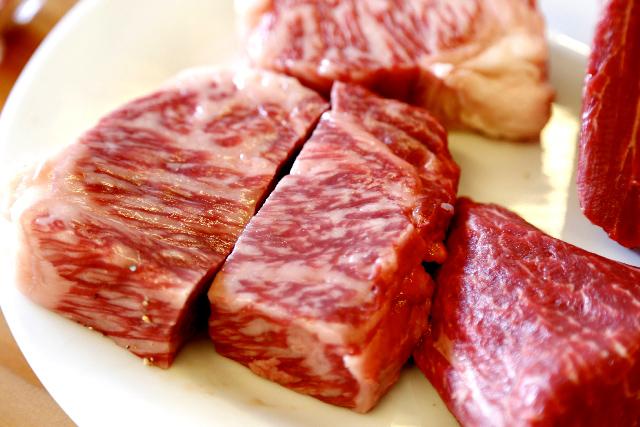 赤身肉の摂り過ぎは大腸がんの発症リスクを高める。