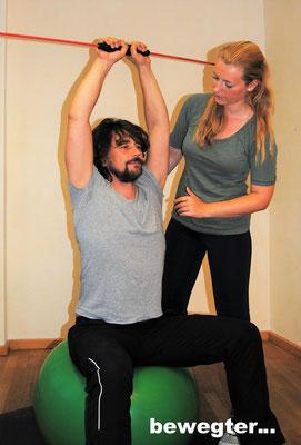 Physiotherapeutische Anleitung bei Bewegungsübungen
