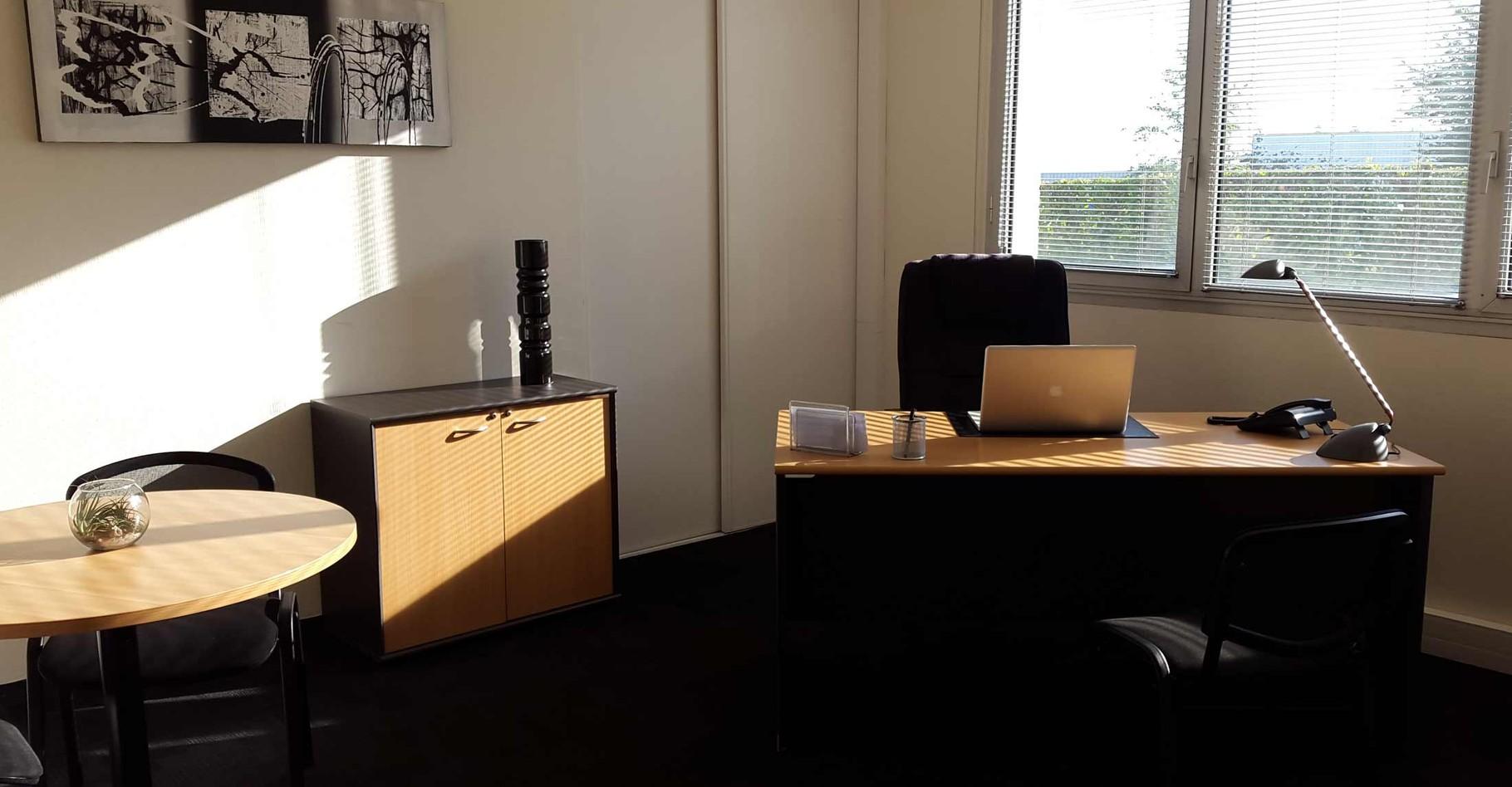 Location bureau meublé 1 2 journée journée mois centre d