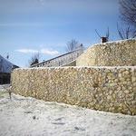 Stonepacks - Naturstein Fertigelemente in Beton als sichere Mauer von Stonepack Kärnten