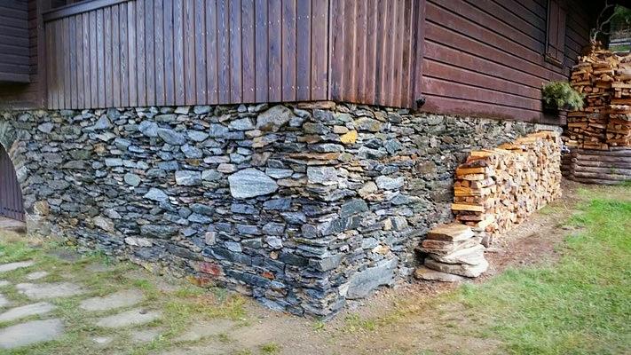 Wiederherstellung Renovierung einer alten echten Naturstein Mauer von Stonepack Kärnten