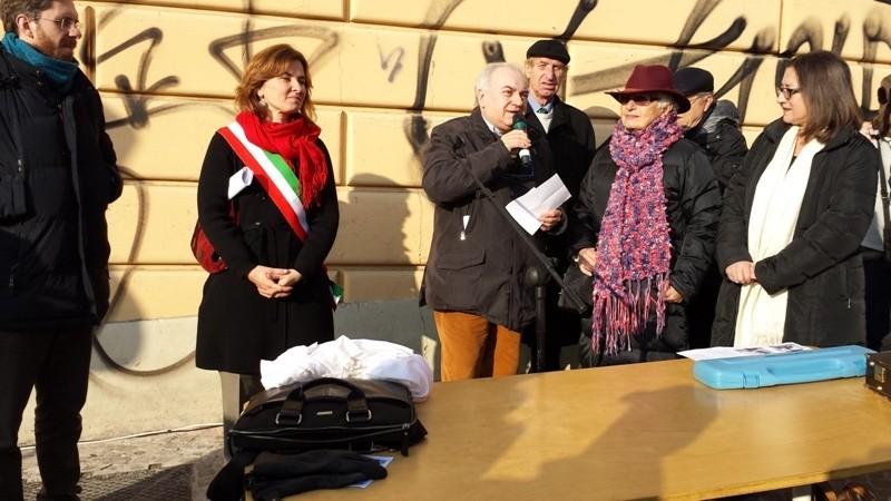 Al centro Gian Paolo Borghi, vice presidente A.I.CA Associazione Italiana Cantastorie
