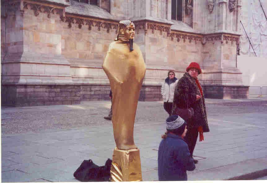 Statua vivente piazza Duomo 2001