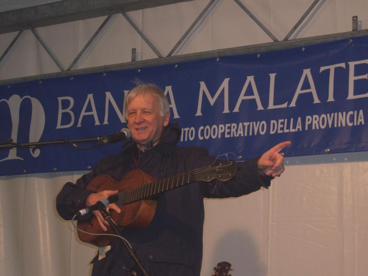 Mauro Chechi inivta tutti a Pomonte l'anno prossimo al Festival di improvvisazione