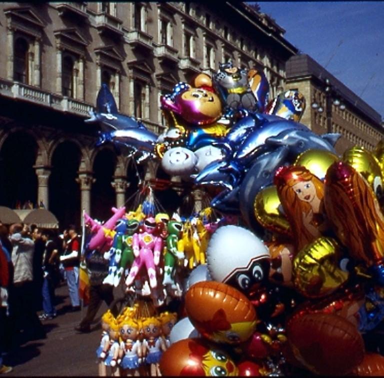 Palloncini piazza Duomo 1991