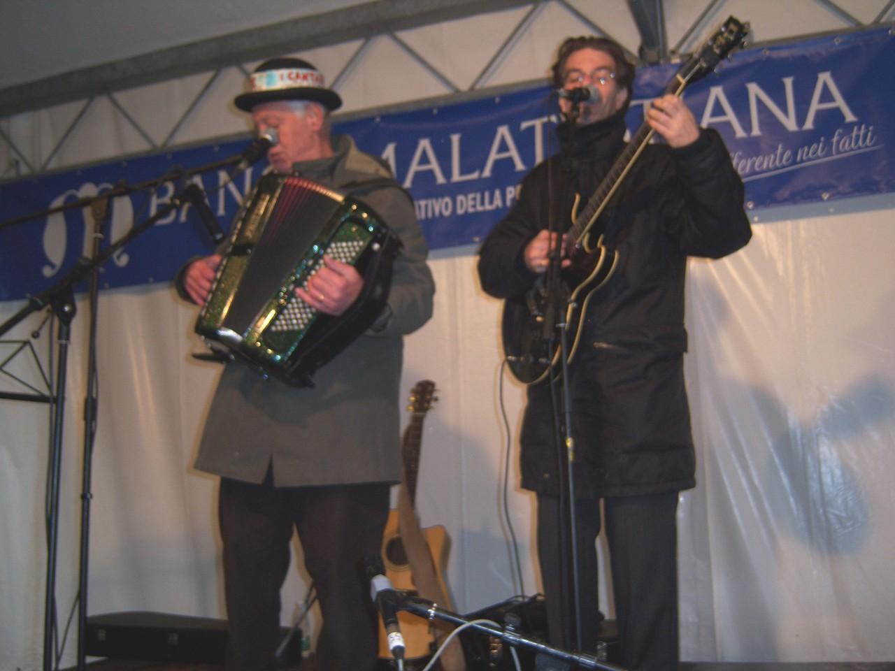 Giuliano Piazza e Federico Berti cantastorie emiliani