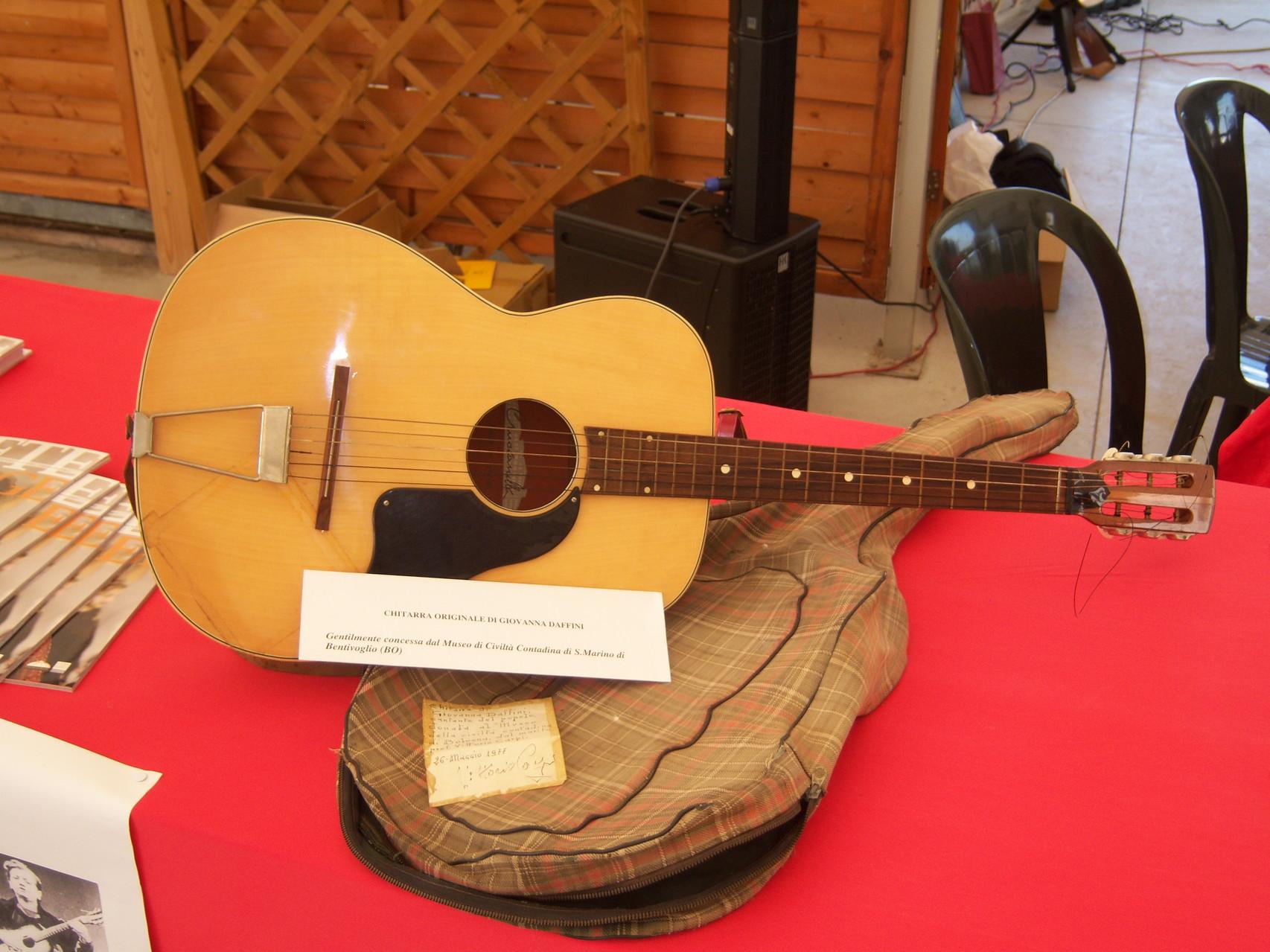 chitarra di Giovanna Daffini