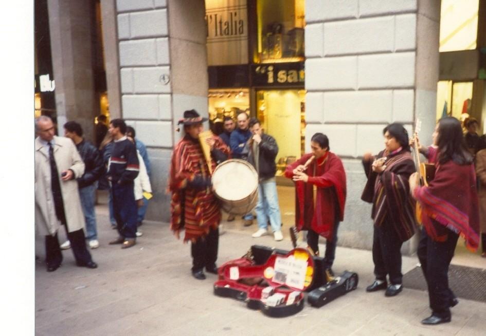 GRUPPO ANDINO CORSO VITTORIO EMANUELE 1999