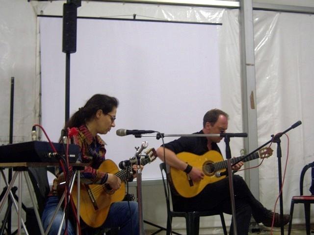 Giada Salerno  voce e Denis Stern alla chitarra