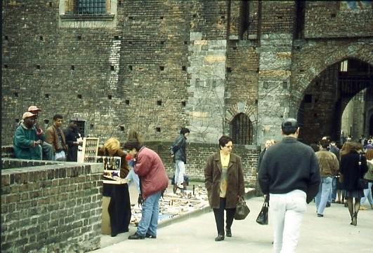 Venditori africani piazza del Cannone 1994