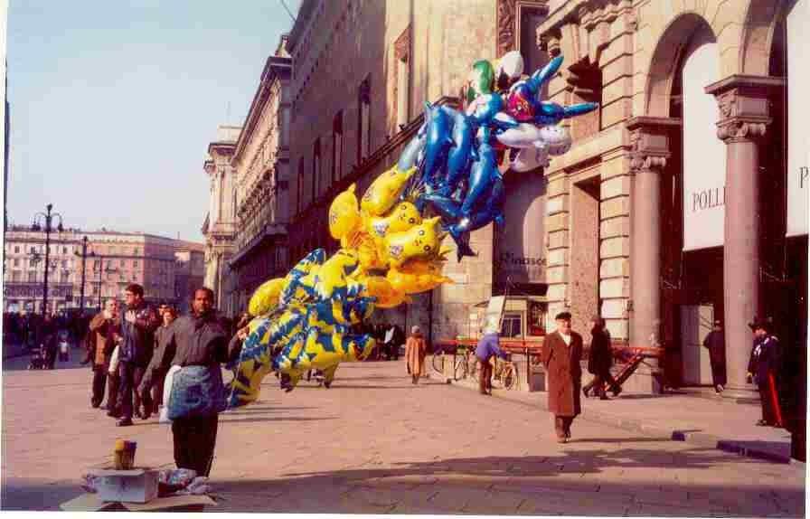 Palloncini piazza Duomo 2001