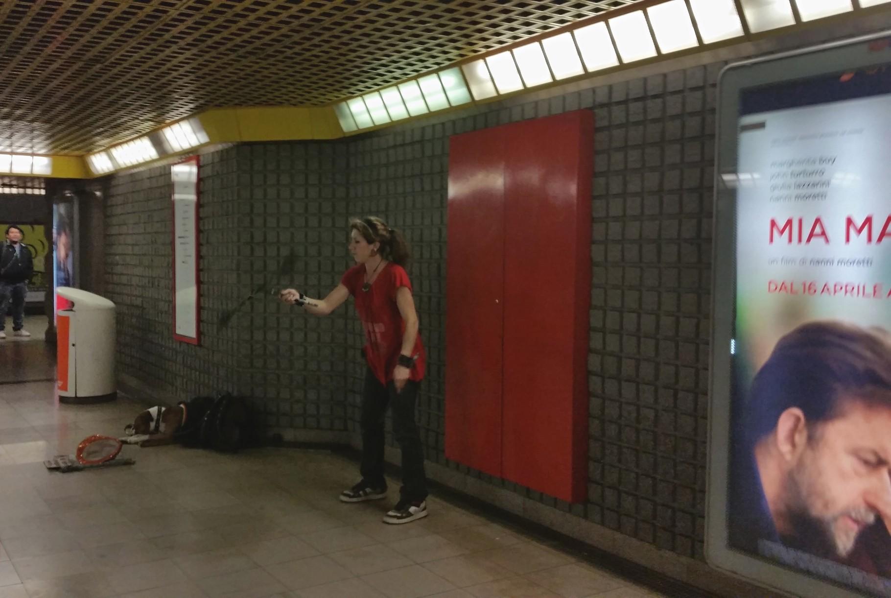 Giocoliera mezzanini metro 1 Duomo 2016