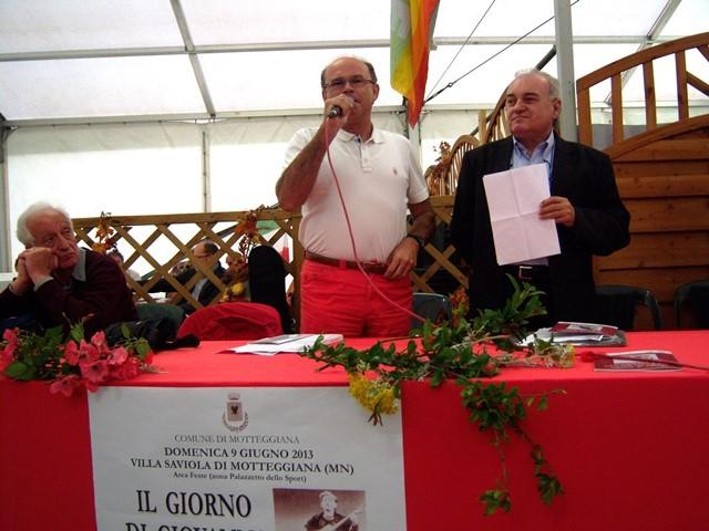Il cantastorie Gianni Molinari e G.P.Borghi