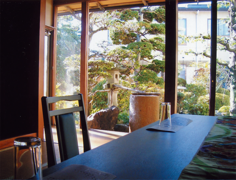 全ての部屋から日本庭園が見れます