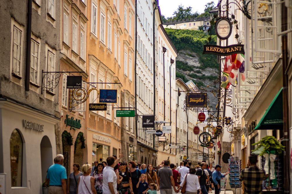 Salzburg, Reisetipps, Sehenswürdigkeiten, Wahrzeichen, Reiseführer, Die Traumreiser, Getreidegasse