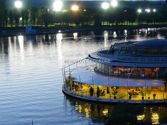 Cliché en drone de la Rotonde et de l'Hippodrome de Vichy la nuit - Photovideodrone