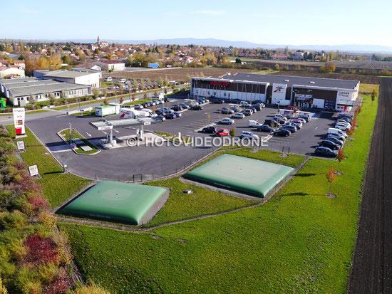 Photo et vidéo en drone du supermarché Intermarché d'Ennezat-Photovideodrone