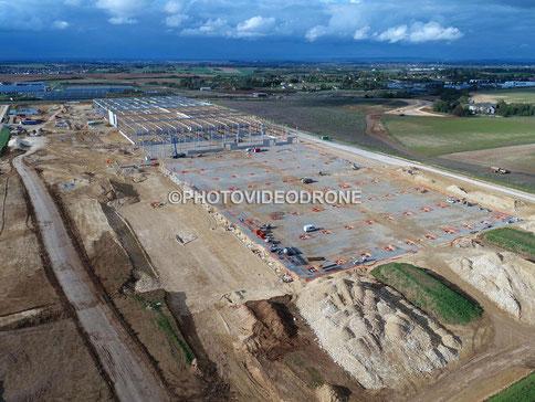 Photo et vidéo en drone de la plateforme Carrefour à Bourges -Photovideodrone