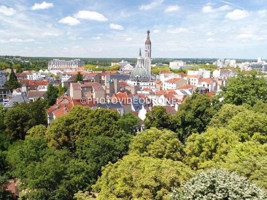 Cliché en drone de l'Eglise Saint Blaise à Vichy Auvergne - Photovideodrone