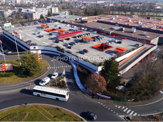 Photo et vidéo en drone de l'hypermarché Géant à Aurillac Cantal-Photovideodrone