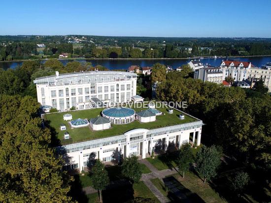Photo et vidéo en drone de L'Hôtel 5* des Célestins à Vichy pour la Compagnie de Vichy - Photovideodrone