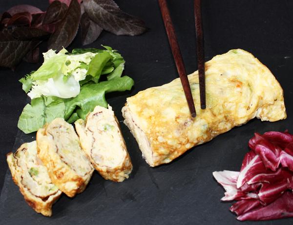Tamagoyaki ebi ninniku - Tortilla japonesa de gambas y ajo tierno