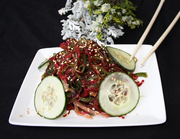 Aemono kappa wakame - Ensalada de alga wakame con pepino y salsa goma