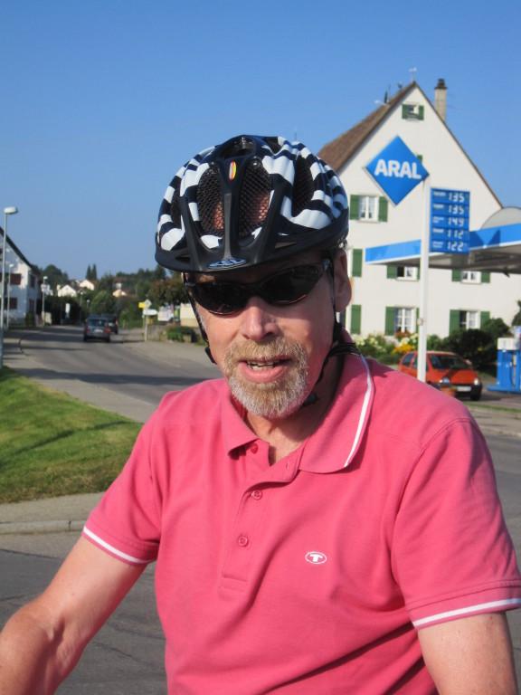 .. seh ich nicht toll aus mit Helm?.....