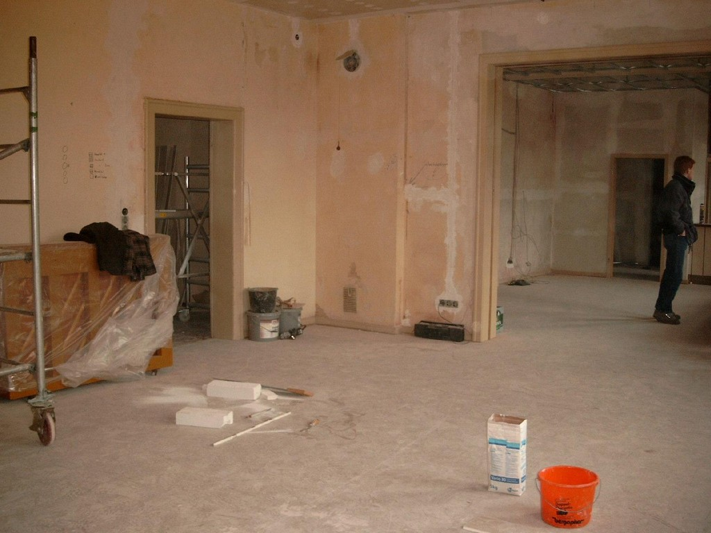 17.01.2004 Renovierung der ehemaligen Schule