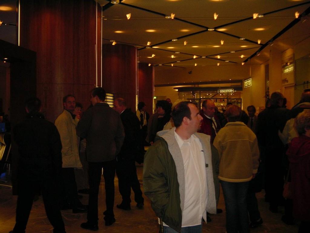13.11.2004 Auf nach Berlin ins Tempodrom - vorm Hotelempfang