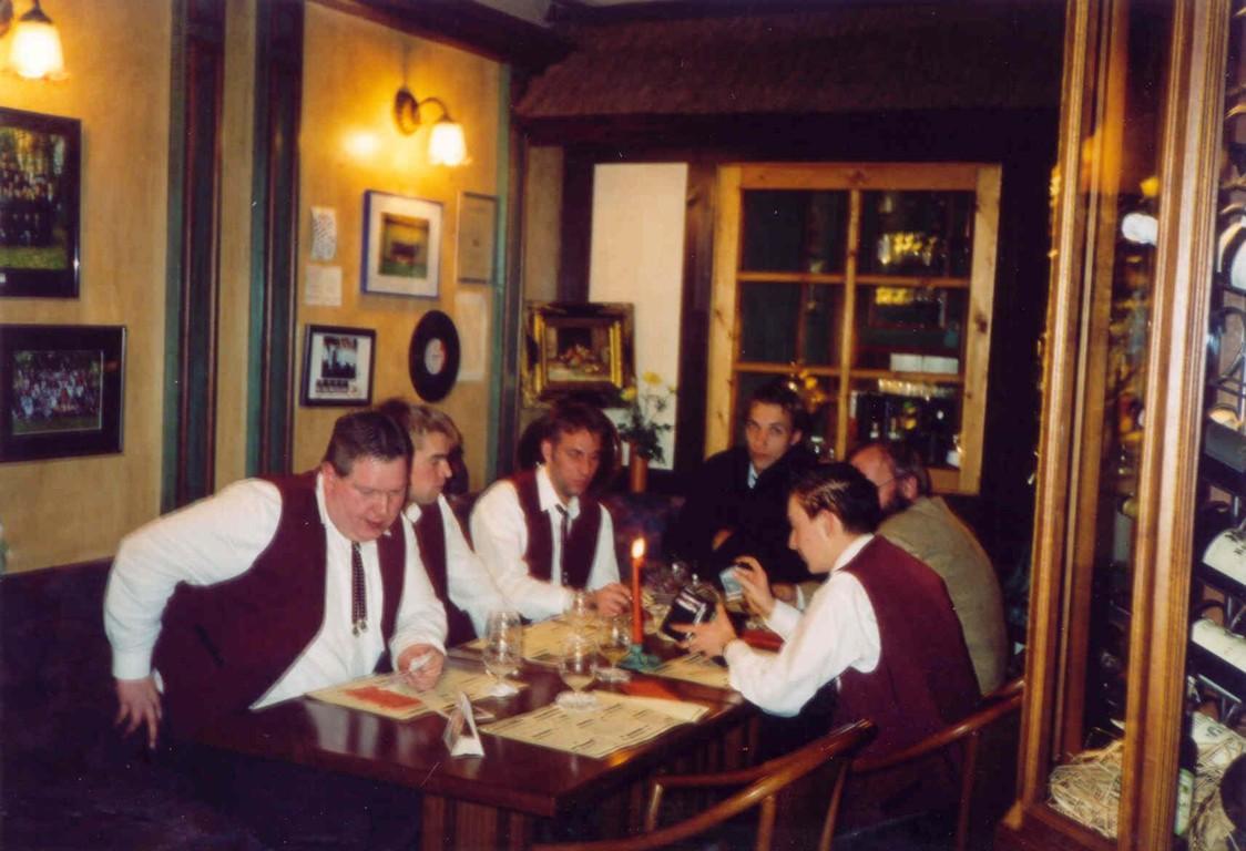 14.11.2003 Stadthalle Cloppenburg, Essen vor dem Auftritt