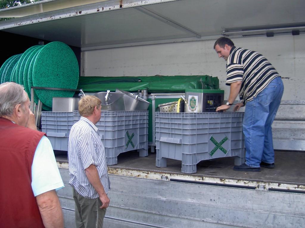 19.08.2004 Volksfest Vorbereitungen